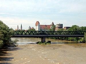 Die Donau im Osten Ingolstadts mit Blick auf die Altstadt