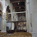 Interieur, overzicht vanuit het koor richting middenschip naar het westen met doophek, achterzijde van de preekstoel en orgel - Culemborg - 20375493 - RCE.jpg