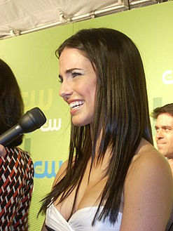 Jessica Lowndes at CW Upfront 2009.jpg