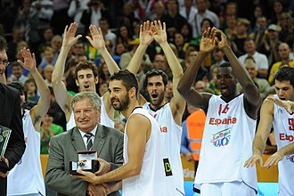 Juan Carlos Navarro (basketball) - Navarro, receiving the EuroBasket 2011 MVP trophy.