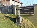 Kříž u domu č. 352 v Kamenici (Q104975693).jpg