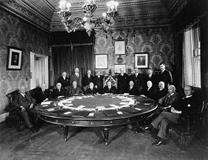 Cabinet of Canada - A meeting of the Cabinet of William Lyon Mackenzie King in 1930