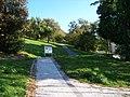 Kinského zahrada, od ulice Na Hřebenkách.jpg