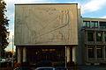 Kurt Lehmann Aussenrelief Industrie- und Handelskammer IHK Hannover Schiffgraben 49 Sitzungssaal über dem Eingang Dämmerung.jpg