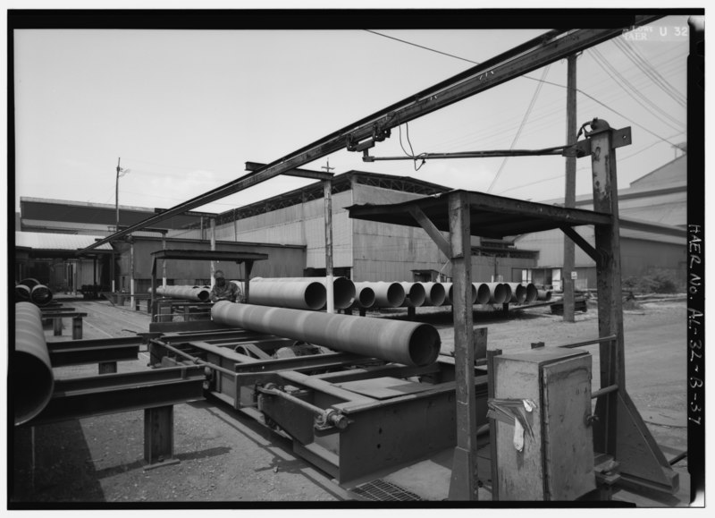File:LARGE DIAMETER - CUTTING-GRINDING BY HAND. - United States Pipe and Foundry Company Plant, Pipe Casting and Testing Area, 2023 St. Louis Avenue at I-20-59, Bessemer, Jefferson HAER ALA,37-BES,6B-37.tif