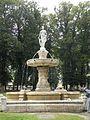 La belle Popée, fontaine de Bayeux 02.JPG