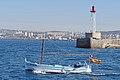 La sortie du Vieux-Port de Marseille (14205956256).jpg