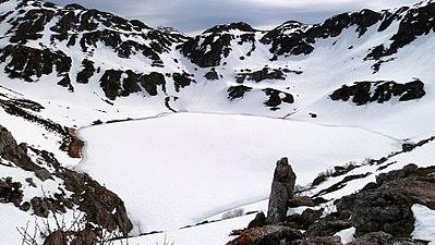 Lago de la Cueva.JPG