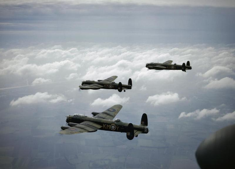 Lancaster B MkI 44 Sqn RAF in flight 1942
