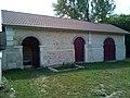 Lavoir de Bazarnes, vue extérieure.jpg