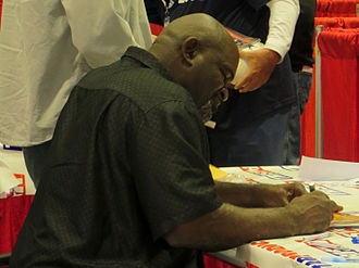 Lawrence Taylor - Taylor signing autographs at a collectors show in Houston in January 2014