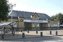 Leighton Buzzard Station.jpg