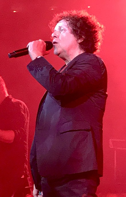 At Union Chapel, Islington, 3 May 2019, on the Just A Boy at 70 Tour Leo Sayer Union Chapel.jpg