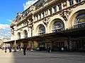 Les fenêtres du Train Bleu vues du parvis de la gare de Lyon.jpg