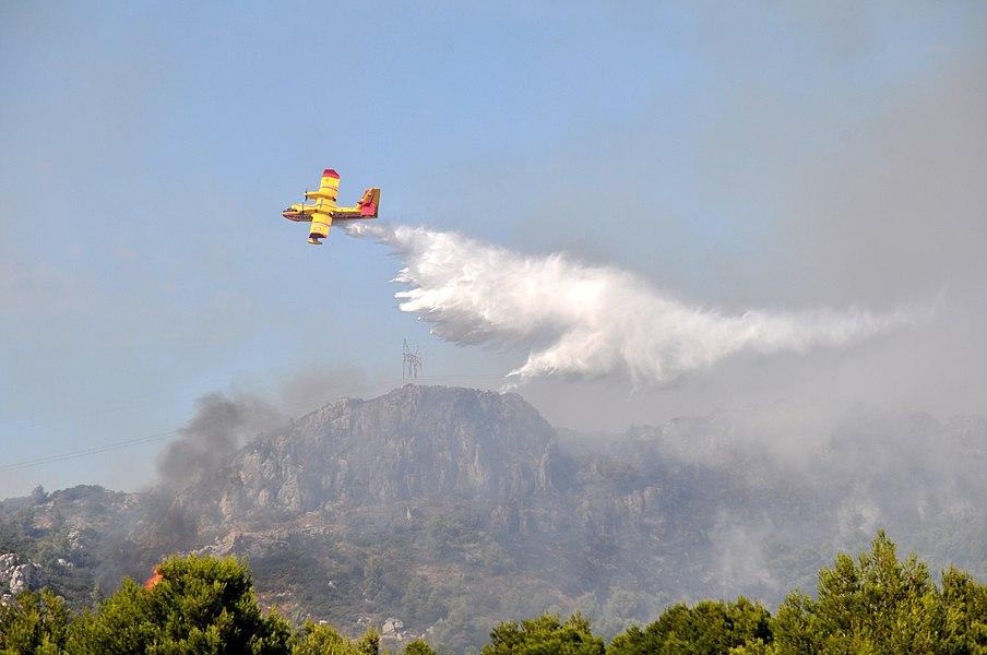 Les pompiers volants au travail...