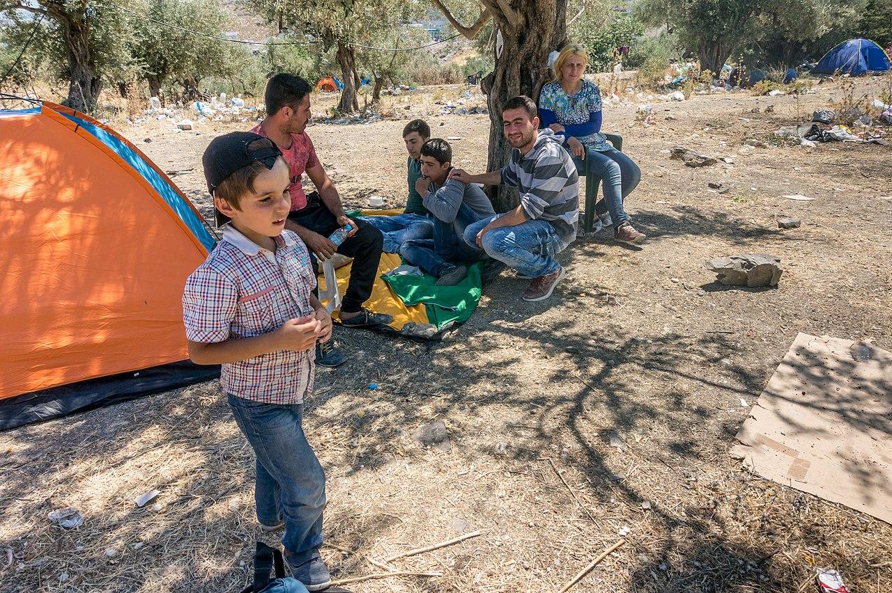 Lesbos refugeecamp - panoramio.jpg