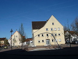 Lingenfeld Rathaus 02
