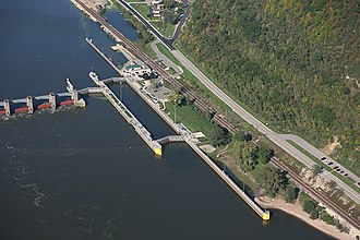 Lock and Dam No. 8 - Image: Lock & dam