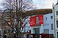 London - Jubilee Walkway - Shakespeare's Globe Theatre Replica 1997.jpg
