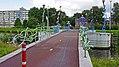 Loop en fietsbrug (27715439284).jpg
