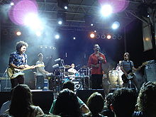 Description de l'image Los Amigos Invisibles 2008 Austin.JPG.