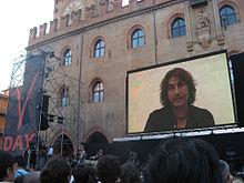 Videomessaggio di Luciano Ligabue durante il V-Day a Bologna