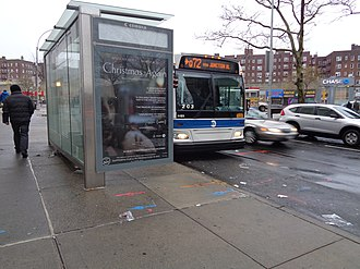 Q72 (New York City bus) - A Q72 entering LaGuardia-bound service at Junction and Queens Boulevards