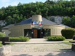 Mairie-de-Chalo-Saint-Mars.jpg