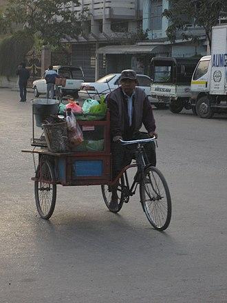 Mohinga - Image: Mandalay trishaw peddler