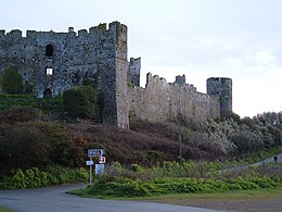 Manorbier castle with turret.jpg