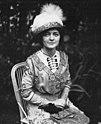 Marcelle Géniat 1910.jpg