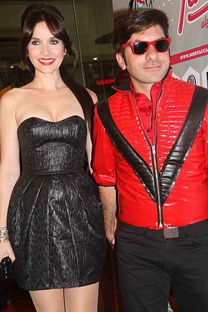 Martín Sastre - Sastre (right) and Natalia Oreiro (left) during the première of Miss Tacuarembo in Montevideo, in 2010