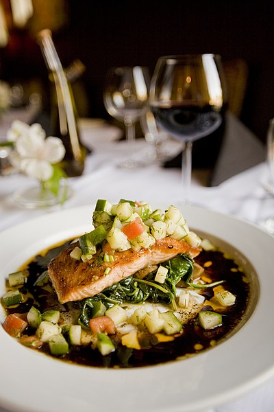 File:Meal with salmon and zucchini (Unsplash).jpg