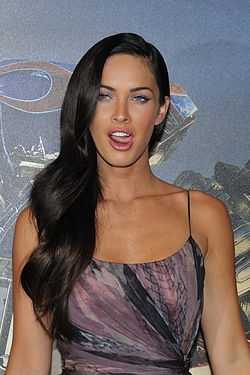 Megan Fox promoting Transformers in Paris 2.jpg