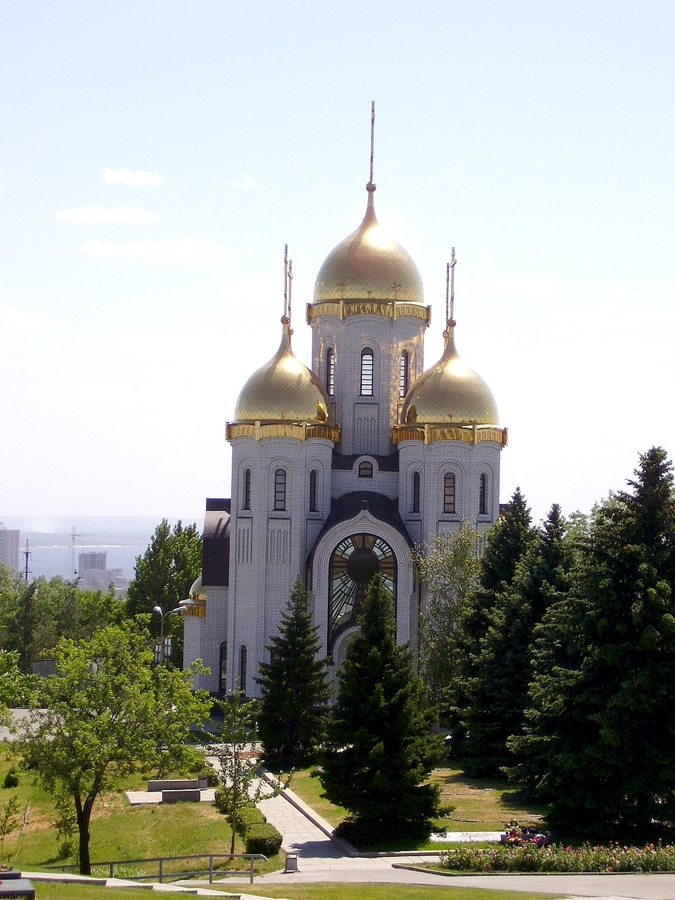 Memorial area and All Saints Church, Volgograd (2007)