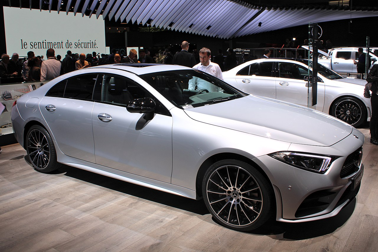file mercedes benz cls 400 d 4matic paris motor show 2018 img wikimedia commons. Black Bedroom Furniture Sets. Home Design Ideas