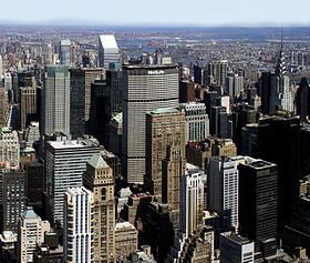 Metlife building from empire state building.jpg
