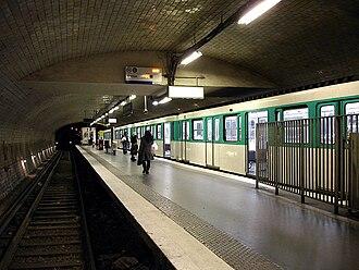 Porte Dauphine (Paris Métro) - Image: Metro de Paris Ligne 2 Porte Dauphine 05