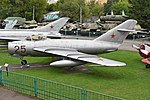 Mikoyan-Gurevich MiG-17 '25 red' (38837882721).jpg