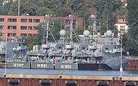 Mine hunting boats M1091 M1093 M1097.JPG