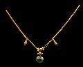 Minoan gold necklace archmus Heraklion.jpg