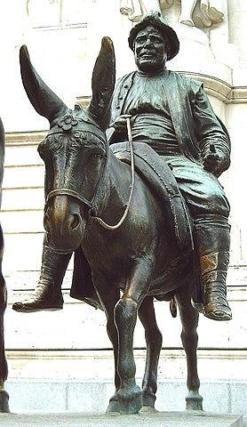 278px-Monumento_a_Cervantes_(Madrid)_10b