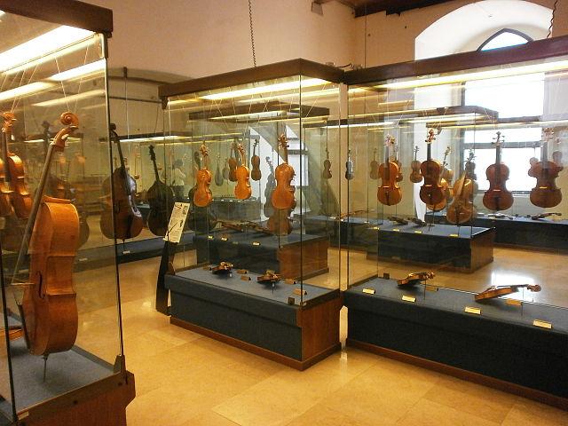 Милан Музей музыкальных инструментов Милан
