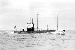 United States L-class submarine - USS L-1 running trials