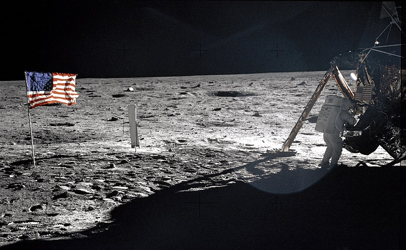 File:Neil Armstrong On The Moon - GPN-2000-001209.jpg