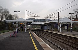 New Southgate railway station MMB 08.jpg
