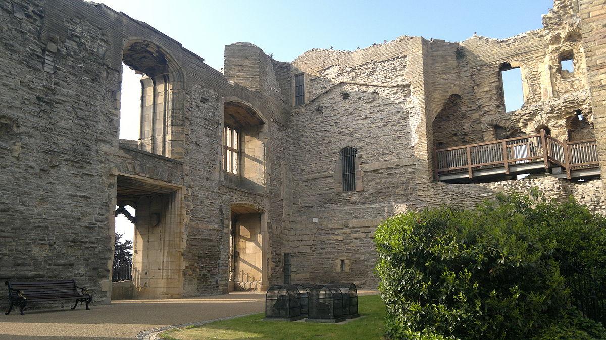 Newark Castle, 06-2013 (3).jpg
