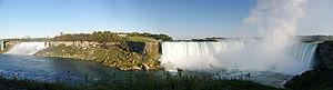 NiagaraFallsPanorama.jpg