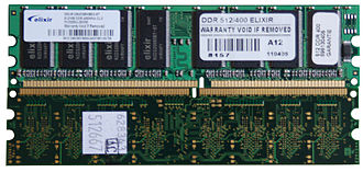 DIMM - Notch positions on DDR (top) and DDR2 (bottom) DIMM modules