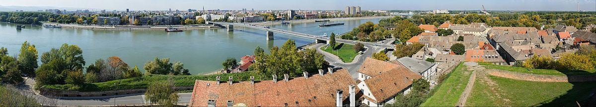 Панорама Новог Сада и Петроварадина